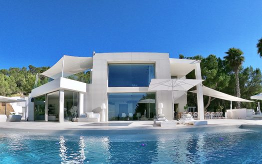 Large luxury villa to rent in San José, Ibiza, with tennis court, fitness area
