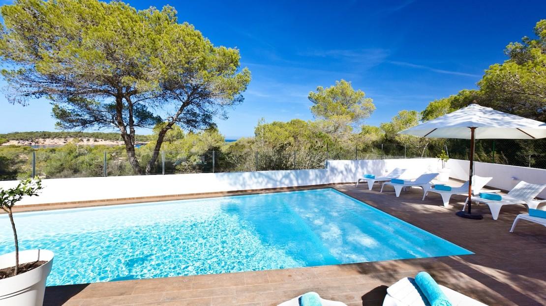 Luxury-villa-Collection