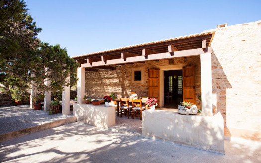 Lovely house close to Cala Saona