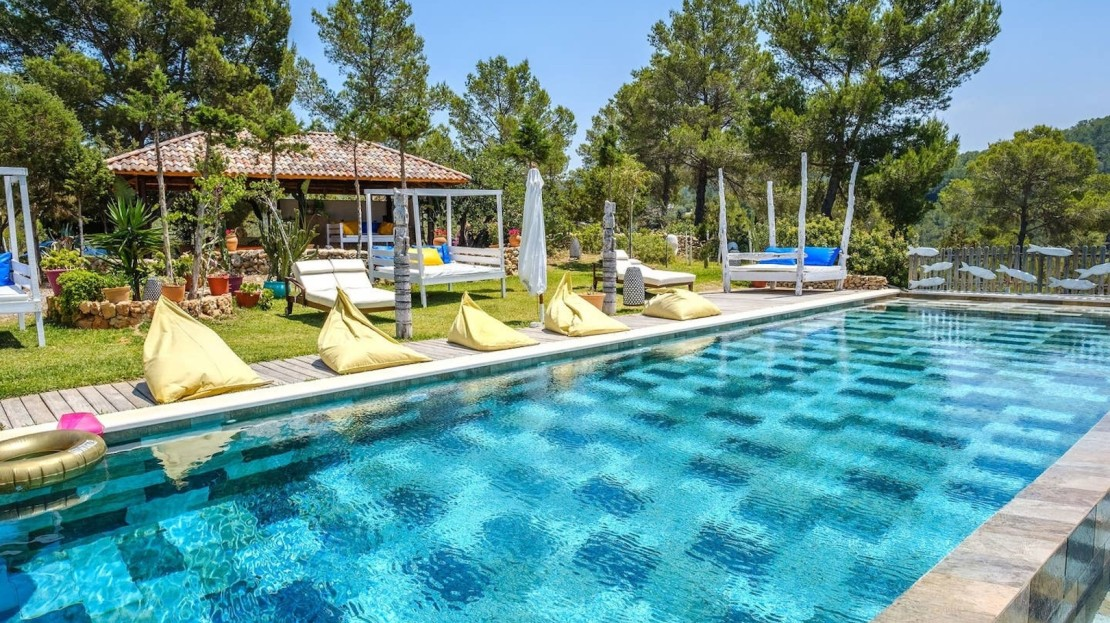 Amazing holiday villa in Ibiza, stunning seaviews, 5mins away from the beach