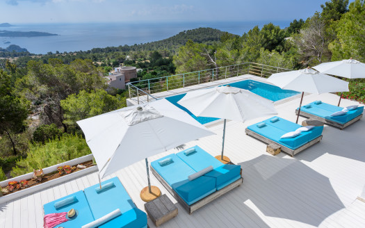 Luxury villa to rent in Ibiza in th exclsuive area of Es Cubells