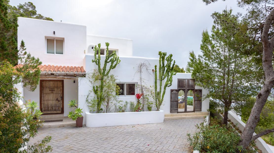 Luxury villa to rent in Ibiza