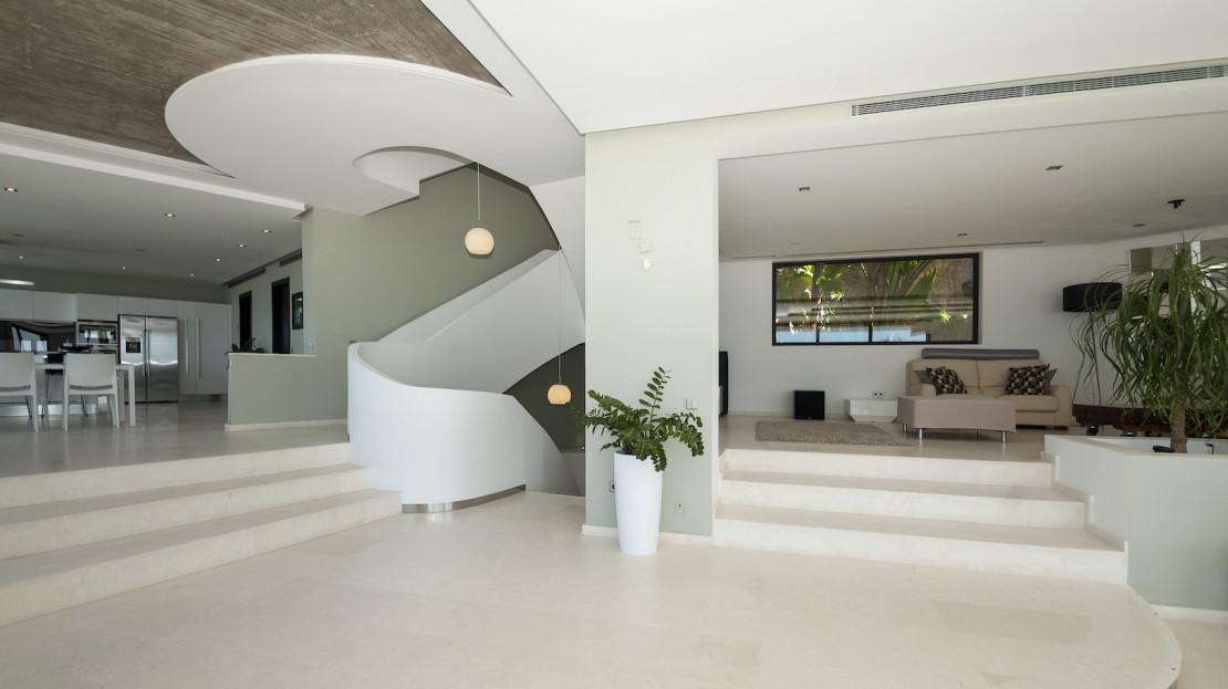 Luxury vila to rent in Ibiza