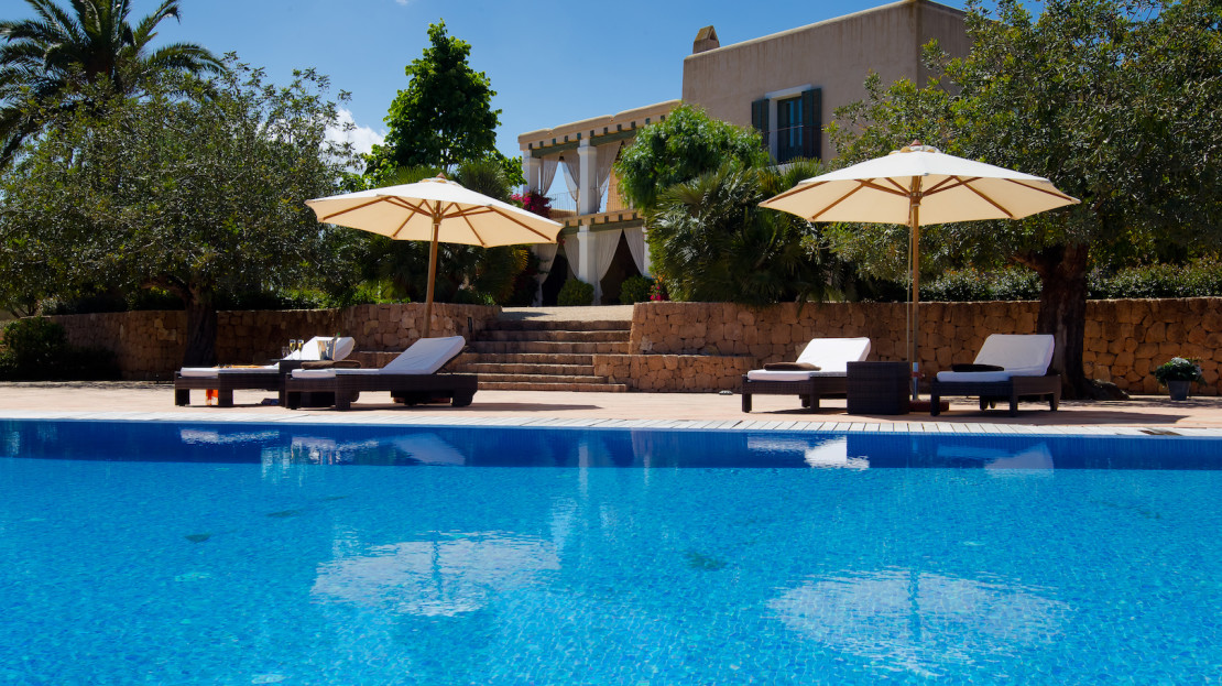 Large finca to rent in Ibiza