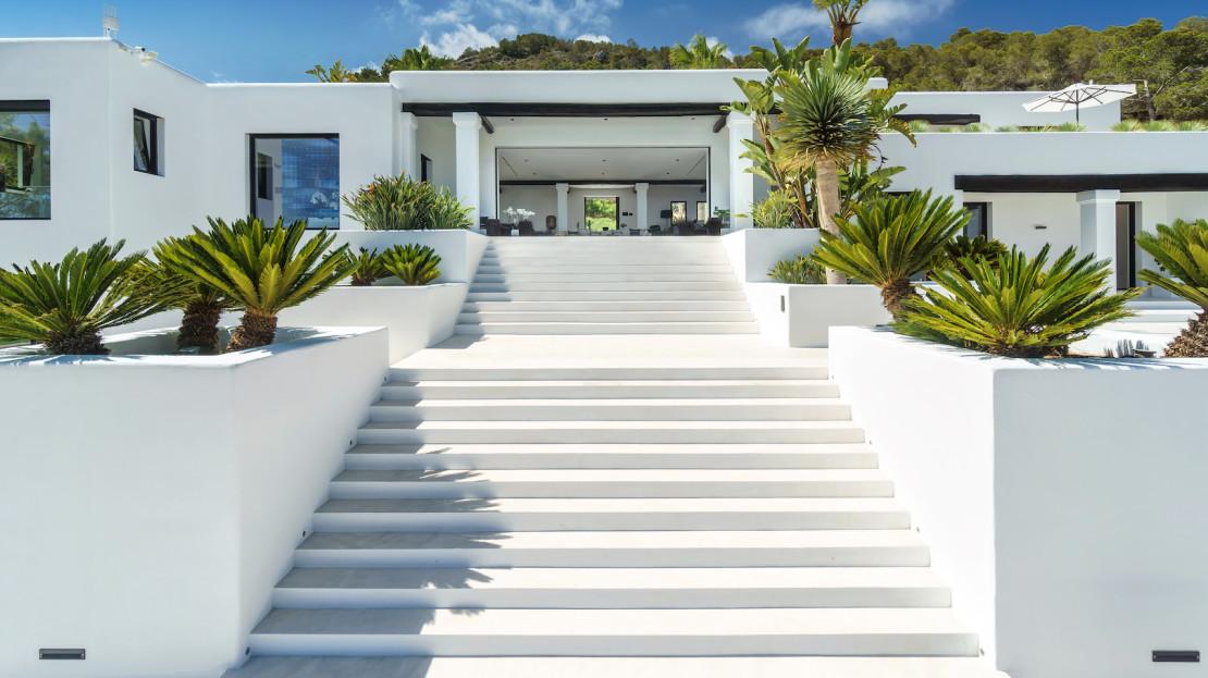 6 bedroom luxura vacation home in Cap Martinet, close to Marina Botafoch