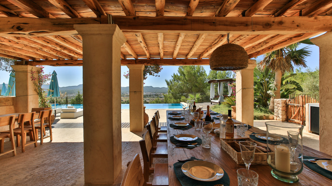 6 bedroom farmhouse to rent in Ibiza