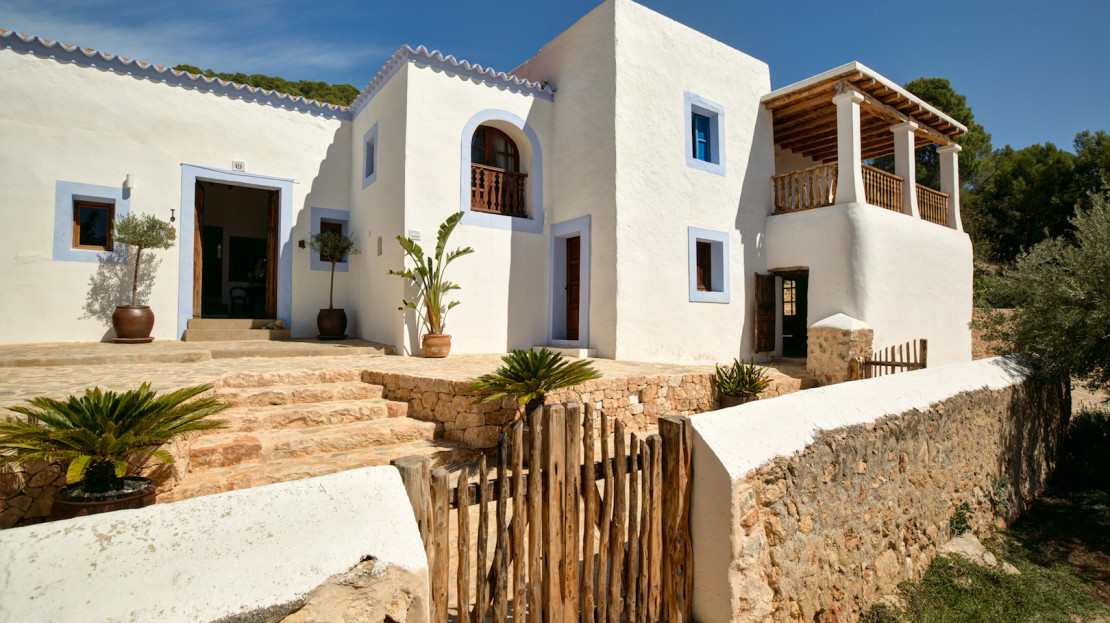 Authentic farmhouse, II centuries, ideal for holidays in the countryside of Ibiza