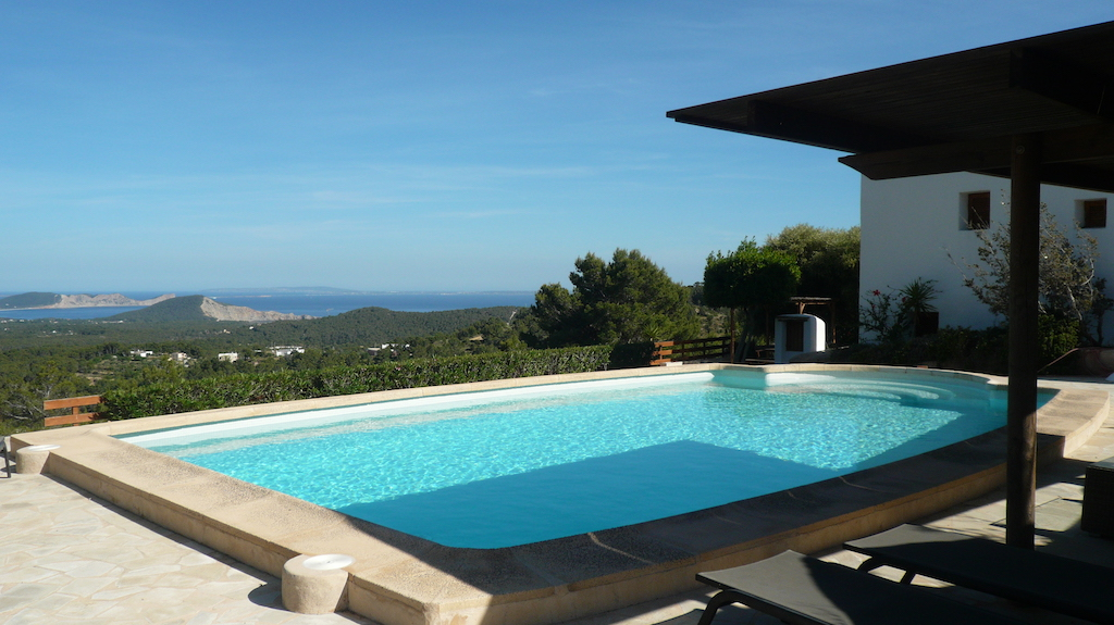 Authentic finca payesa to buy close to the village of San José, with breathtaking seaviews