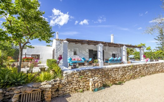 4 bedroom countryhouse to rent in Ibiza, north island