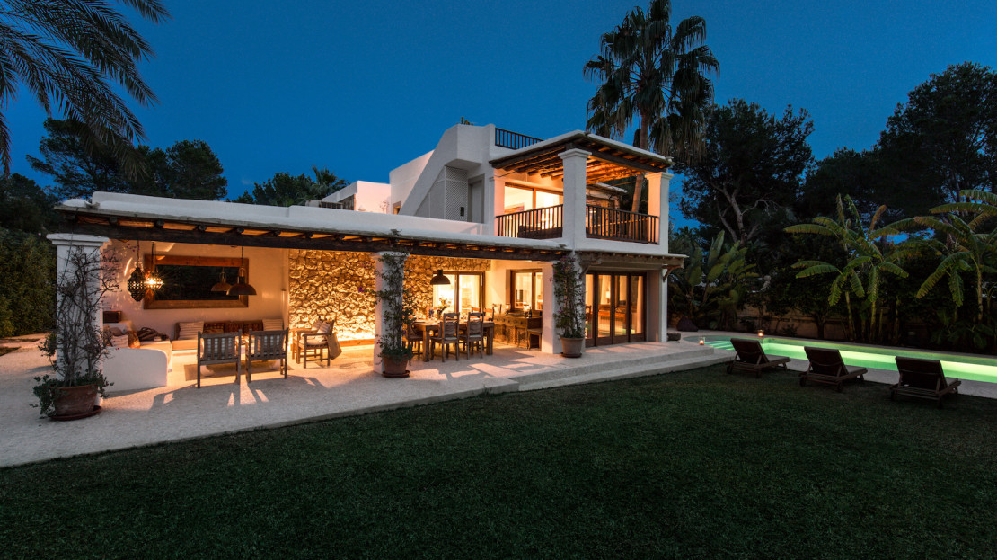 Family-friendly villa to rent in Ibiza, in the exclusive area of Porroig