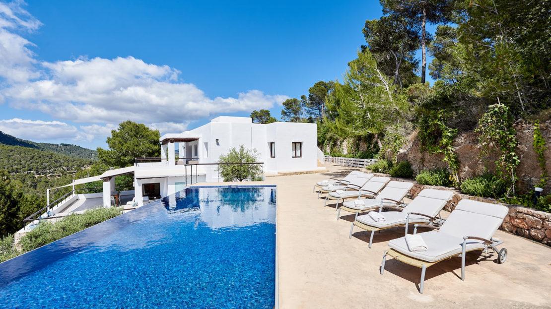 Luxury villa to rent in San José, Ibiza, Spain