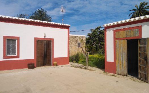 Farmhouse close to San Lorenzo and San Juan, to be renovate, for sale