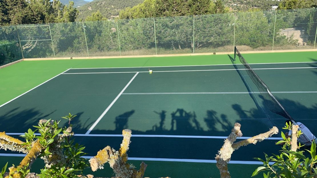 5 bedroom Ibicencan Cottage with private tennis court and sea views, to rent in Ibiza