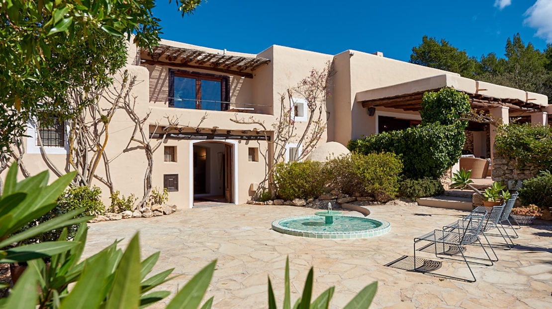 Luxury property, countryside styke for your holidays in Ibiza