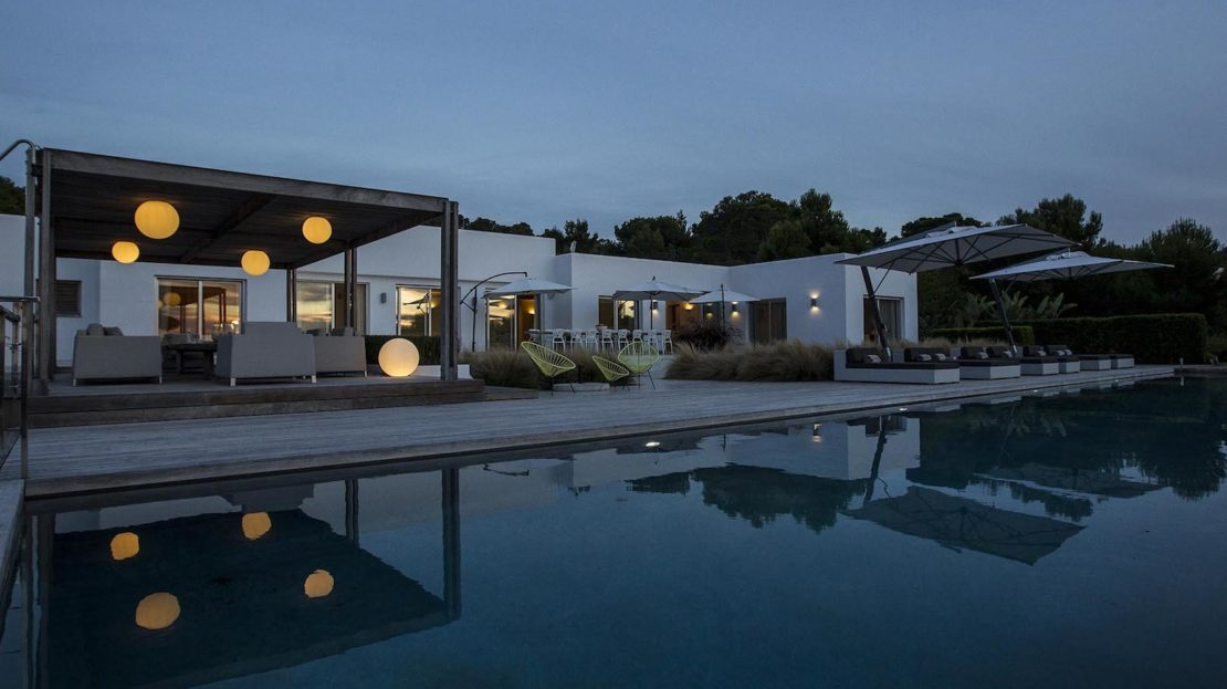 Exclusive Villa rental Collection with gym